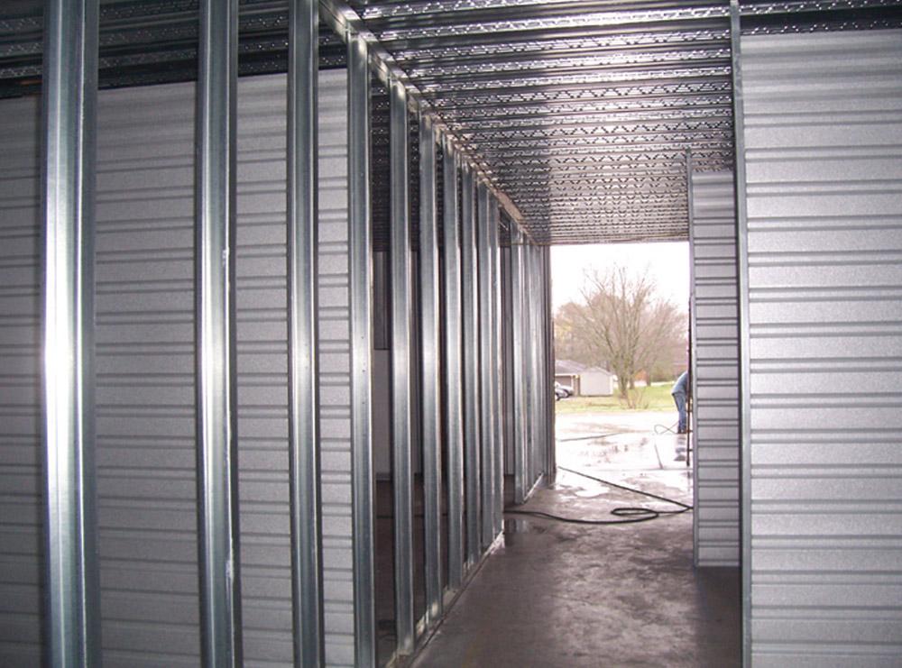 storage-083